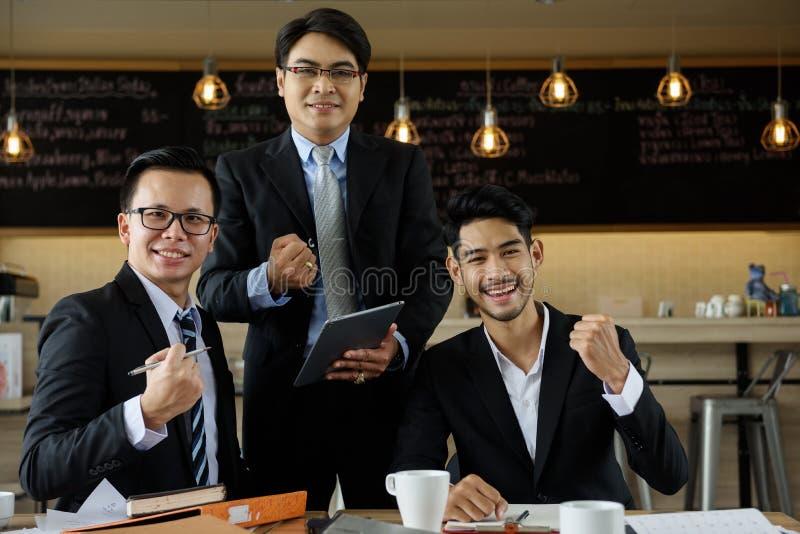 Portrait d'équipe d'homme d'affaires de sourire image libre de droits