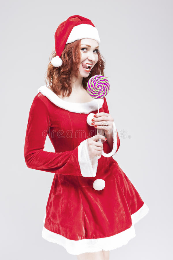 Portrait d'attirer Santa Helper d'une chevelure rouge caucasienne photo stock