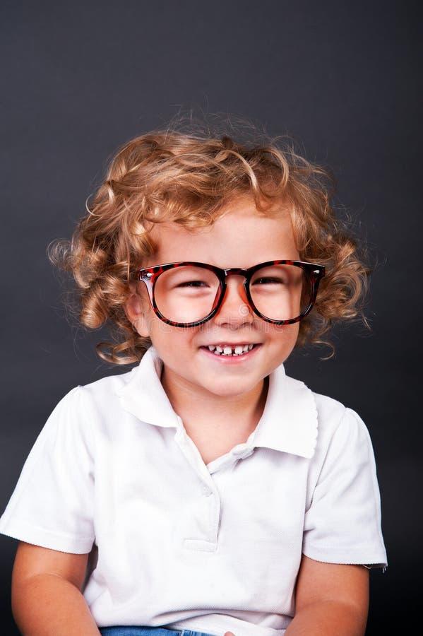 Portrait d'enfant en verres photo libre de droits