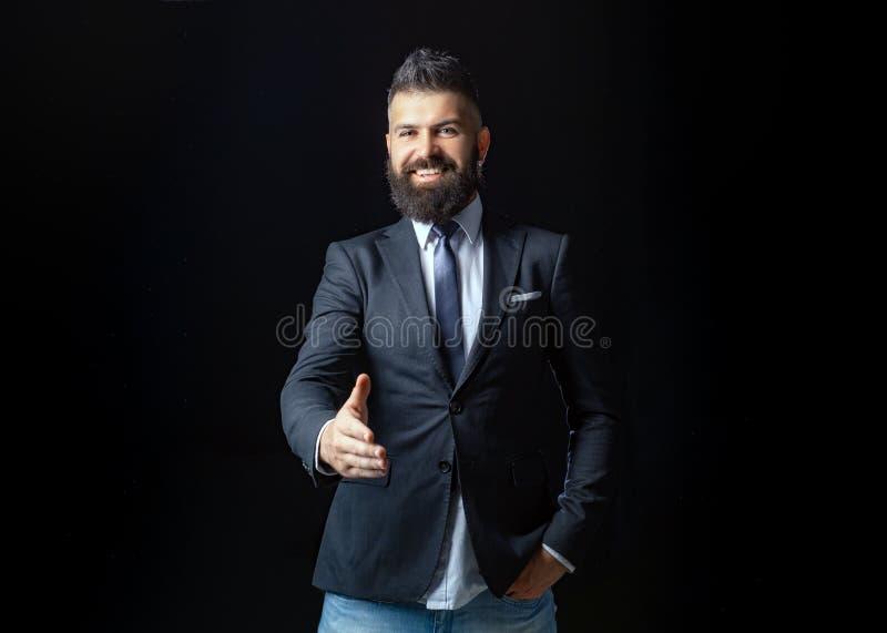 Portrait d'homme d'affaires de sourire se serrant la main Avocate professionnelle de femme d'affaires d'architecte de comptable d image stock