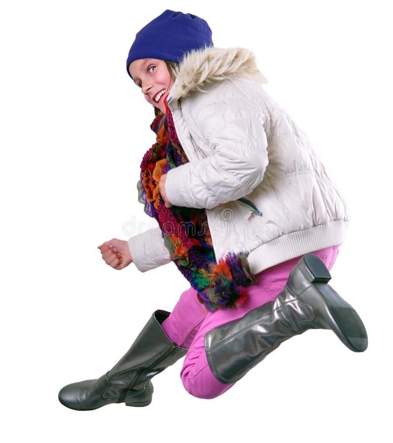 Portrait d'isolement d'automne d'enfant avec sauter de chapeau, d'écharpe et de bottes photographie stock