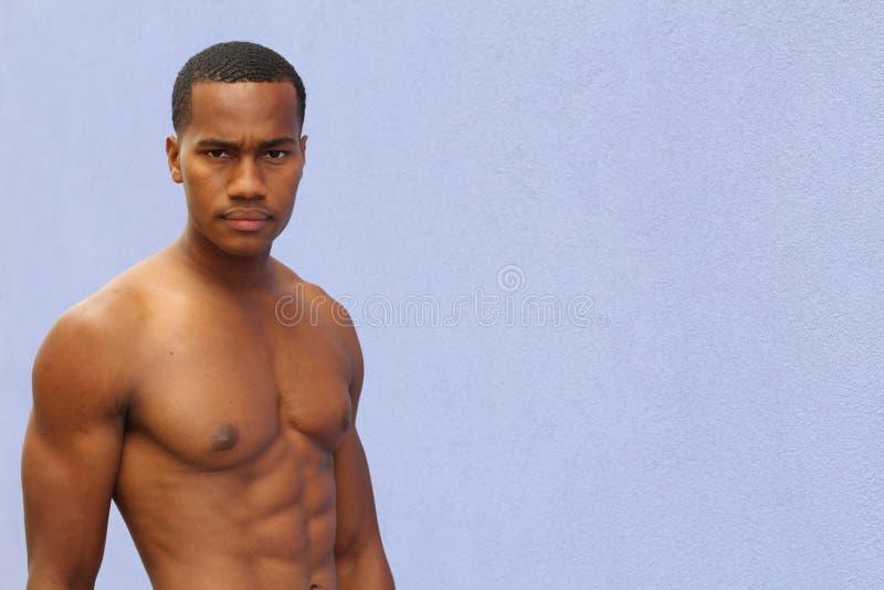 Portrait d'un afro-américain sportif avec l'espace de copie photos stock