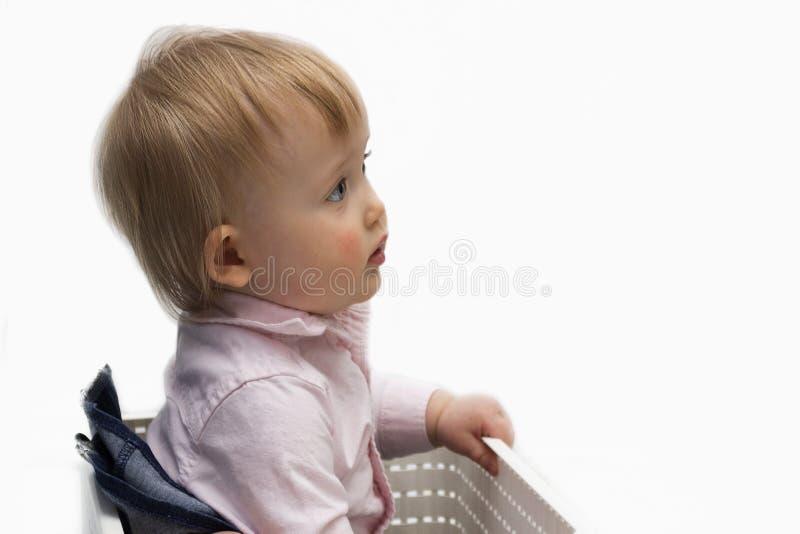 Portrait d'un bébé adorable d'isolement sur un fond blanc Copiez l'espace photographie stock libre de droits