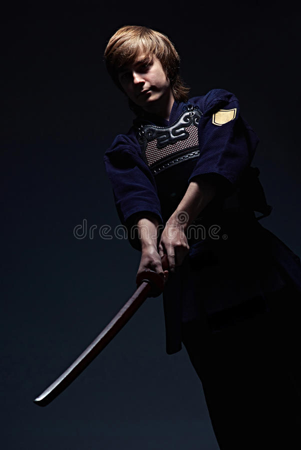 Portrait d'un combattant de kendo photo stock