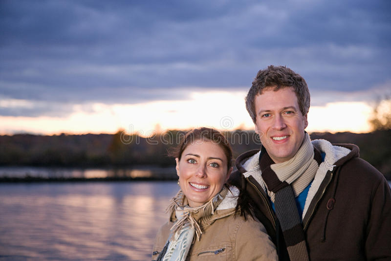 Portrait d'un couple hétérosexuel images stock