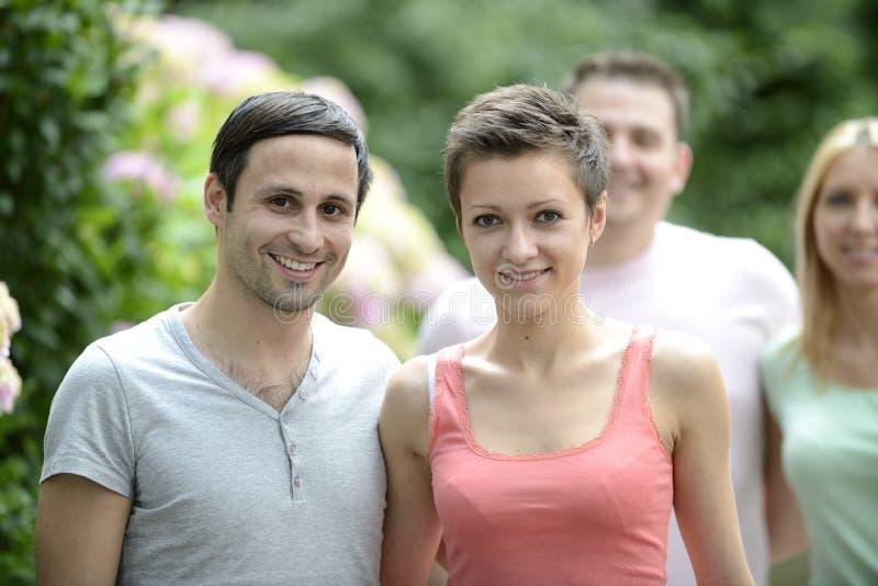 Portrait d'un couple hétérosexuel heureux photo libre de droits