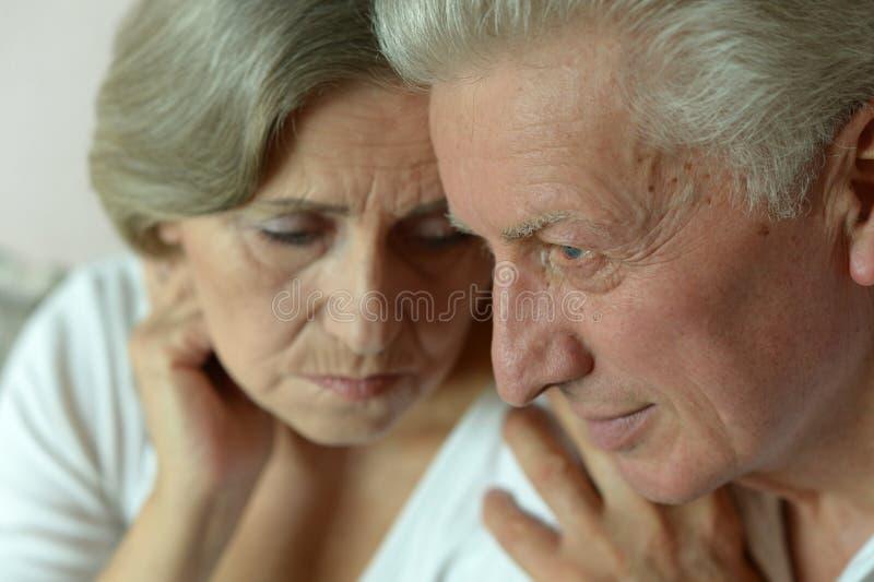 Portrait d'un couple plus ancien photo libre de droits
