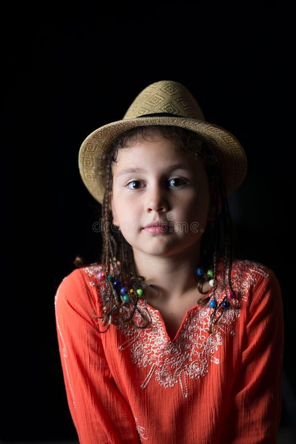 Portrait d'un enfant dans un chapeau images stock