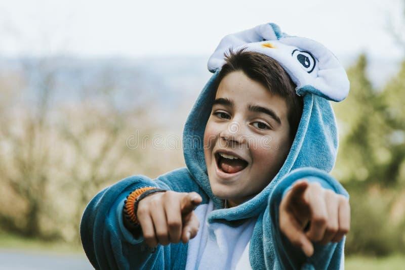 Portrait d'un garçon déguisé photographie stock libre de droits