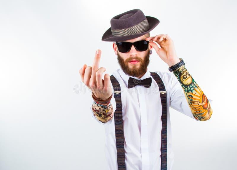 Download Portrait D'un Hippie élégant Montrant Son F-doigt Image stock - Image du moyen, réel: 45371879