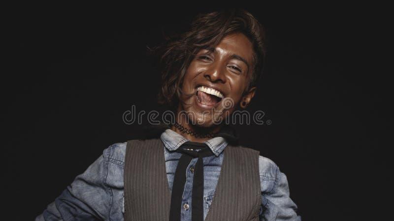 Portrait d'un homme africain heureux photo libre de droits