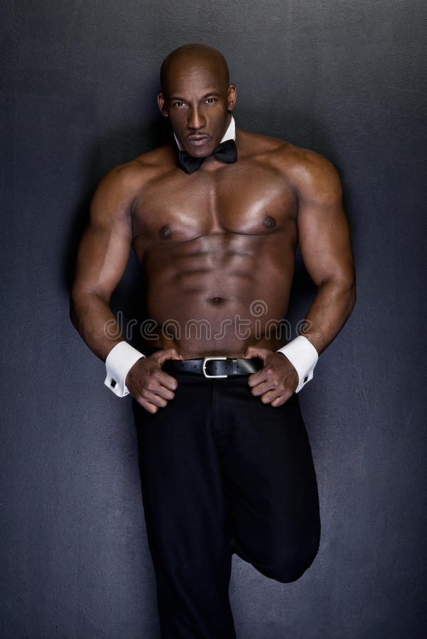 Portrait d'un homme sportif d'afro-américain photographie stock libre de droits