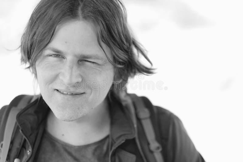 Portrait d'un jeune homme avec un sourire images libres de droits