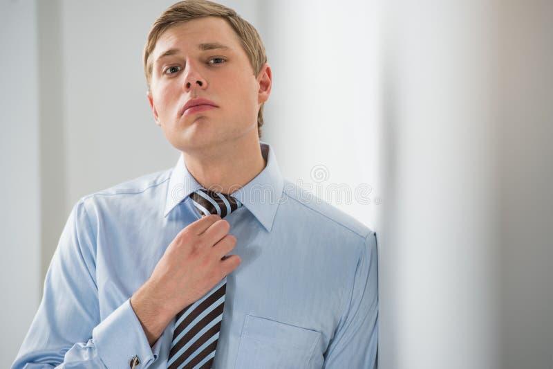 Portrait d'un jeune homme réussi d'affaires photos libres de droits