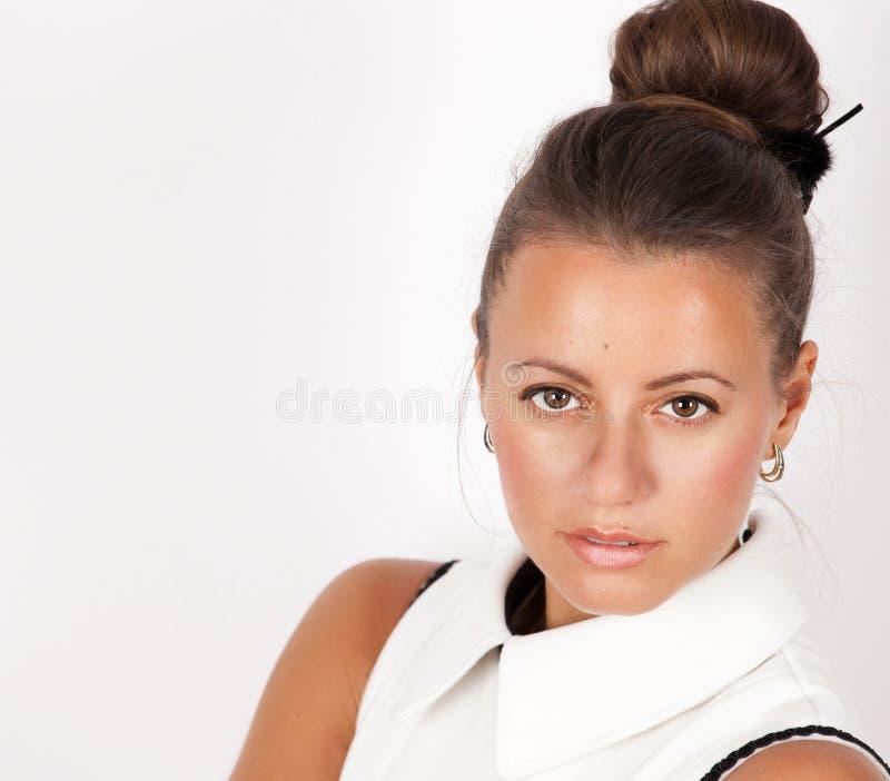 Portrait d'une belle femme étonnante photo libre de droits
