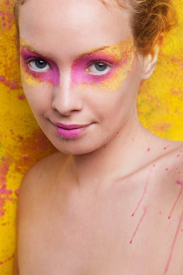 Portrait d'une belle femme photographie stock libre de droits