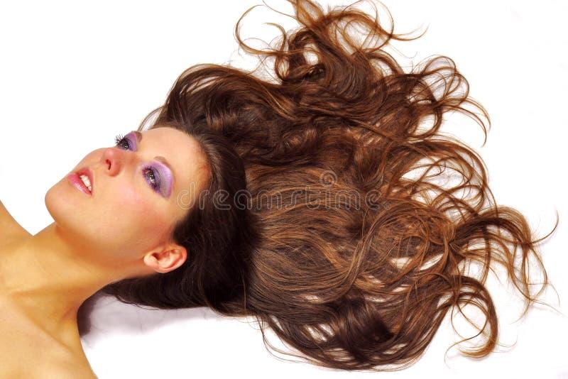 Portrait d'une belle femme de brune image libre de droits