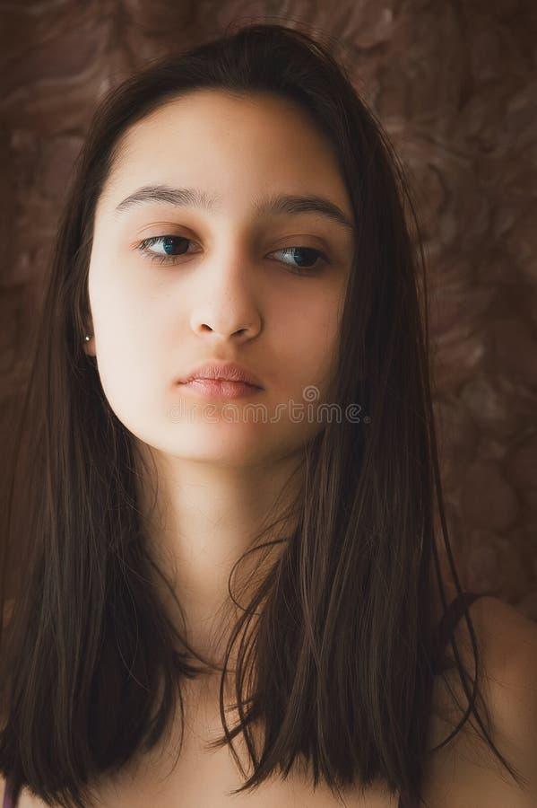Portrait d'une belle fille image stock