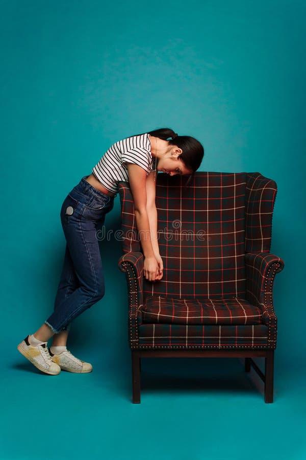 Portrait d'une belle jeune fille photographie stock libre de droits