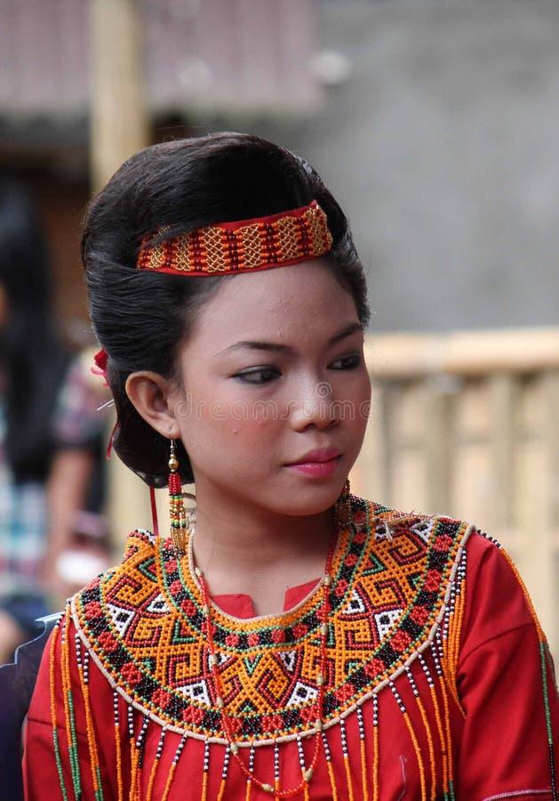 Portrait d'une belle jeune fille de Torajan photo stock