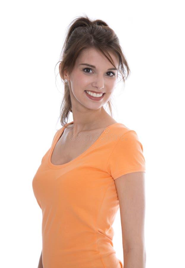 Portrait d'une femme de sourire assez jeune d'isolement au-dessus du blanc. image libre de droits