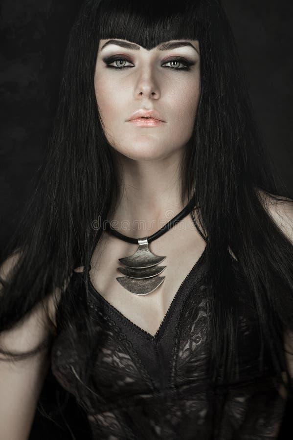 Portrait d'une femme gothique images stock