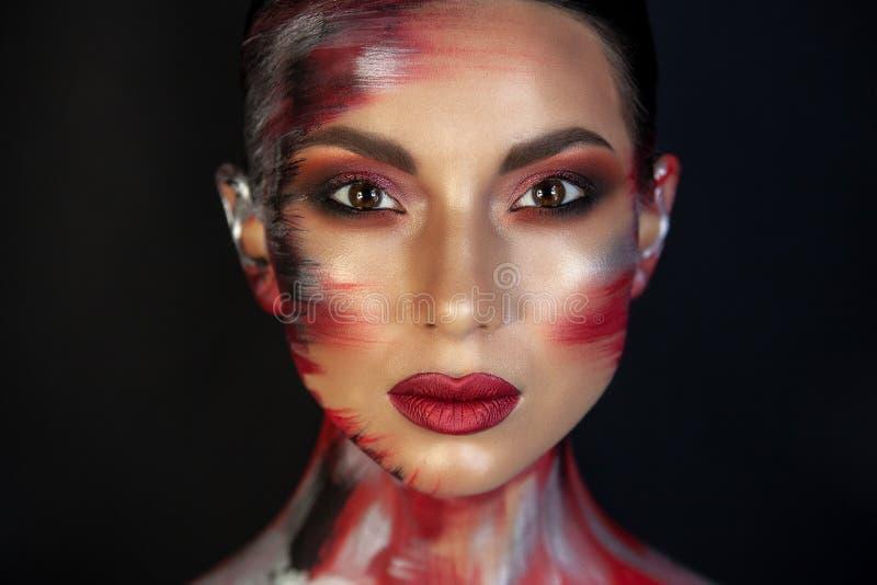 Portrait d'une fille d'aspect asiatique europ?en avec le maquillage photo stock