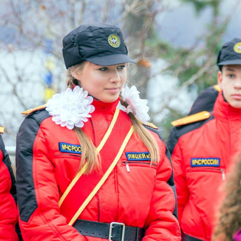 Portrait d'une fille des corps de cadet de la Mordovie EMERCOM de la Russie photographie stock