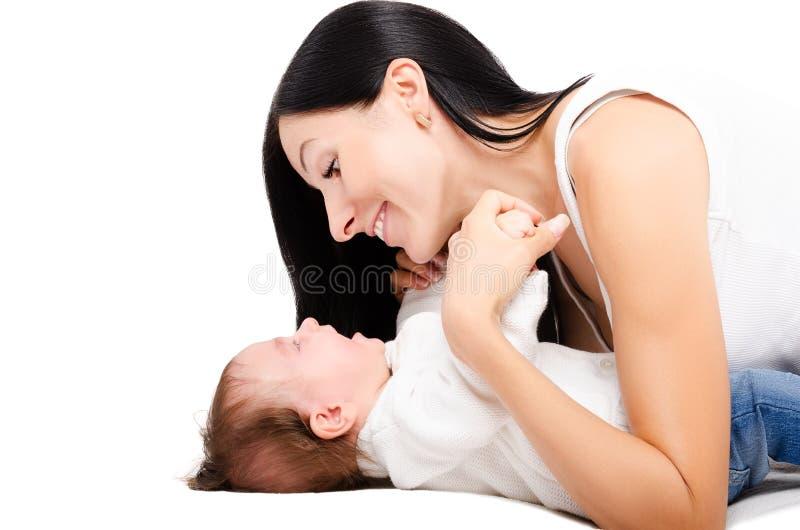 Portrait d'une jeunes mère et bébé heureux photos libres de droits