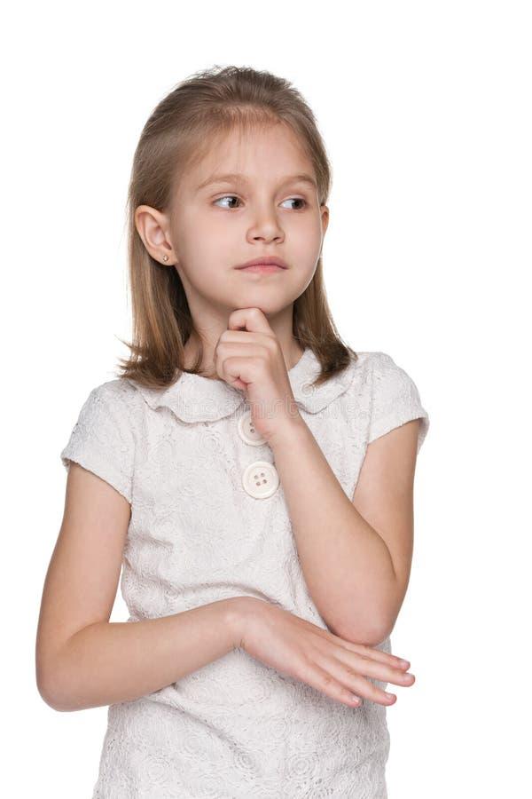 Portrait d'une petite fille de renversement photo stock