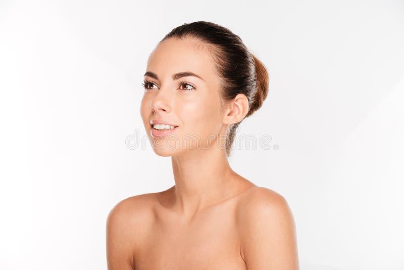 Portrait de beauté d'une femme de ypung avec le regard frais de peau images libres de droits
