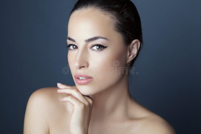 Portrait de beauté de femme photographie stock libre de droits