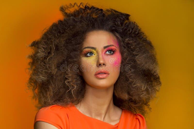 Portrait de beauté de femme sensuelle de brune. images libres de droits
