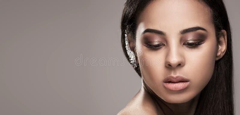 Portrait de beauté de fille naturelle africaine photo stock