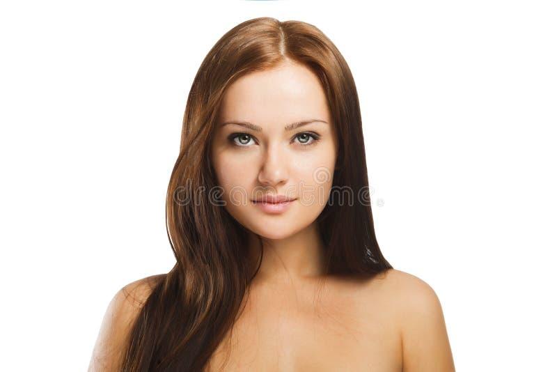 Portrait de beauté de la jeune femme avec le maquillage naturel d'isolement dans W images libres de droits