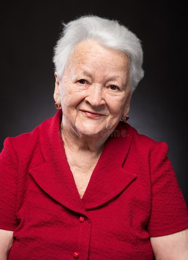 Portrait de belle dame âgée de sourire photo libre de droits
