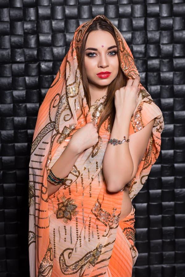 Portrait de belle femme indienne photographie stock
