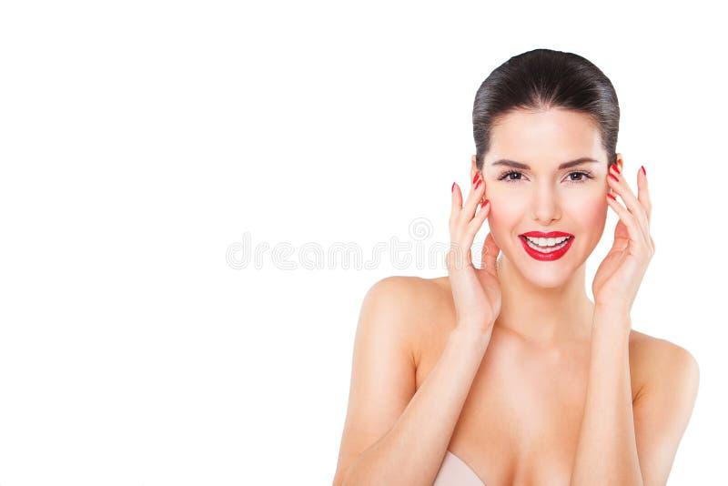 Portrait de belle jeune femme heureuse, plus de photos libres de droits