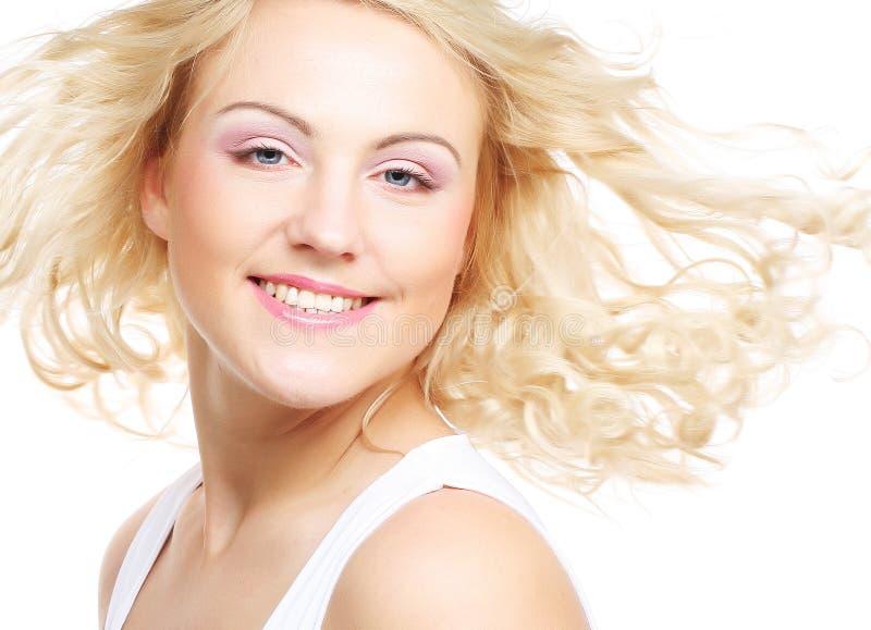 Portrait de belle jeune fille avec la peau propre photographie stock libre de droits