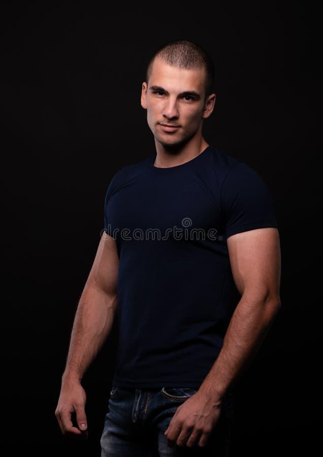 Portrait de bodybuilder photographie stock libre de droits