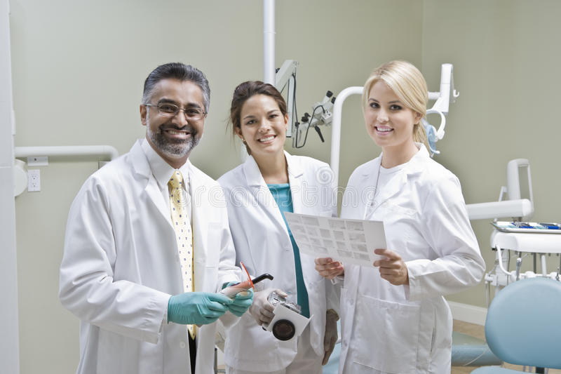 Portrait de dentiste Team photographie stock