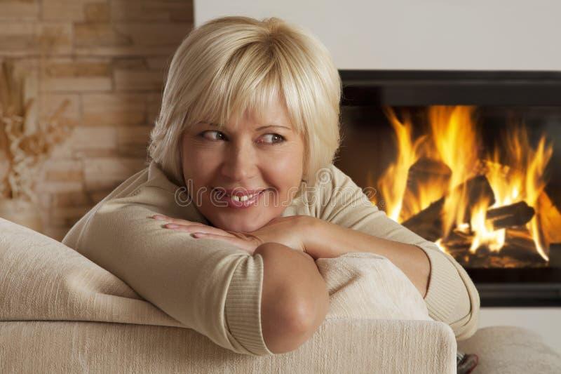 Portrait de femme adulte, plan rapproché images stock