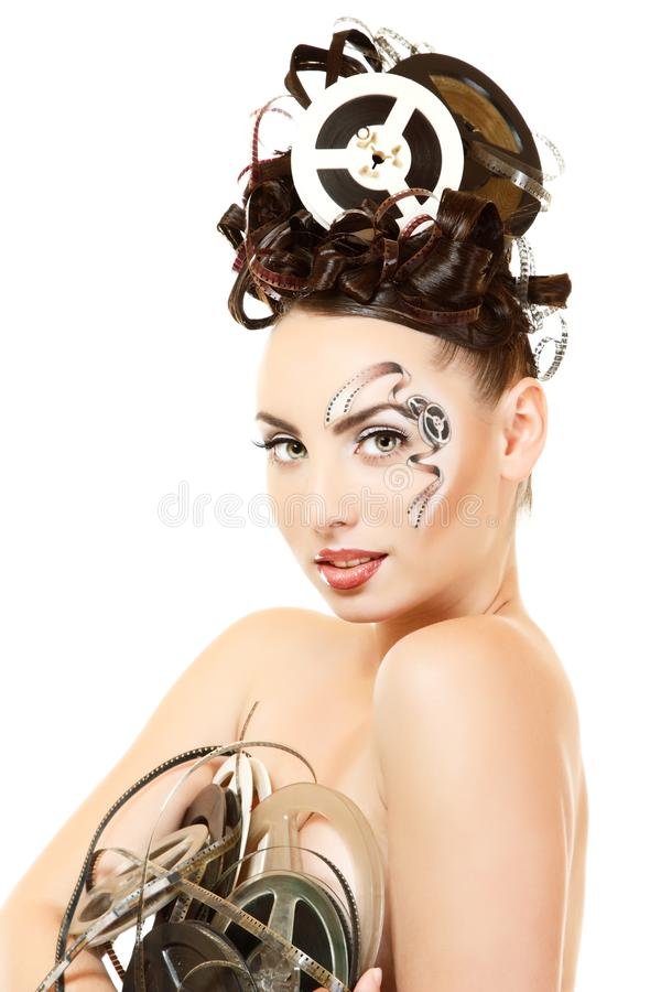 Portrait de femme avec le beau maquillage et les cheveux de film de film d'art images libres de droits