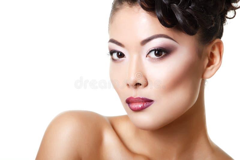 Portrait de femme de beauté de jeune belle fille asiatique avec parfait image stock