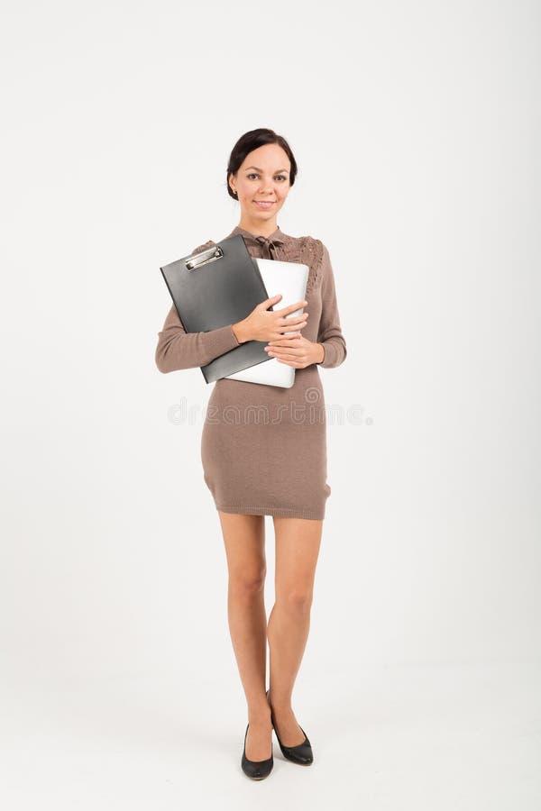 Portrait de femme d'affaires avec le carnet et la protection images libres de droits