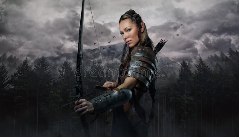 Portrait de femme d'elfe avec la cuvette photo stock