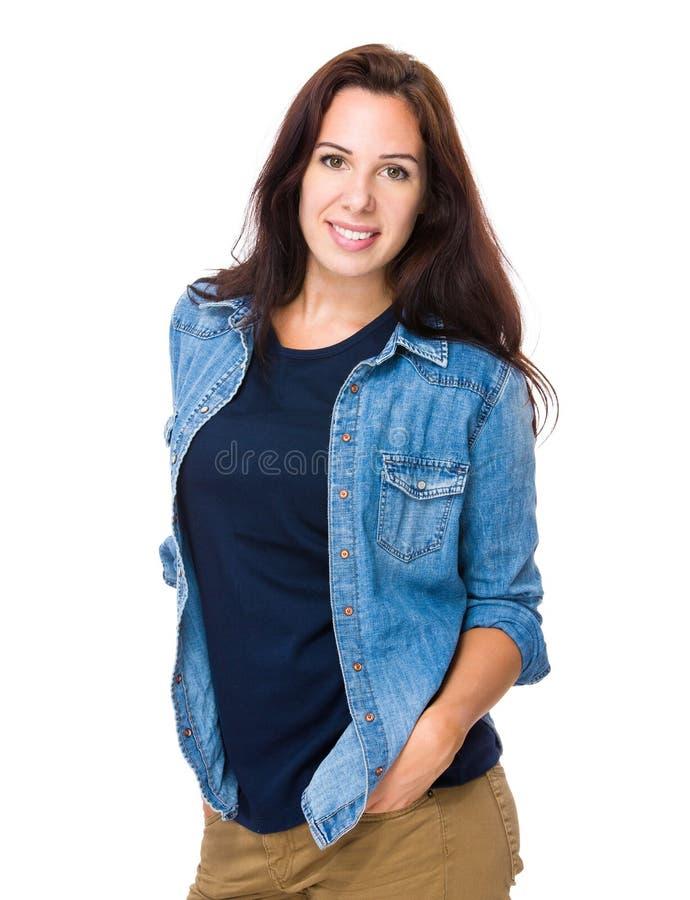 Download Portrait de femme de brune image stock. Image du people - 45365525