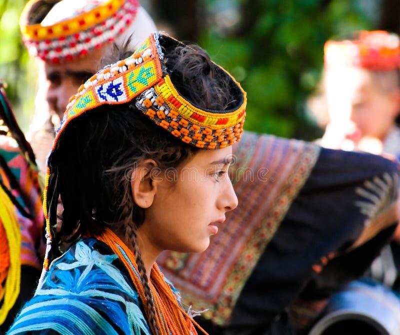 Portrait de femme de tribu de Kalash dans le costume national au fest de Joshi photos libres de droits