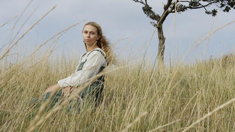 Portrait de femme médiévale Viking photos stock