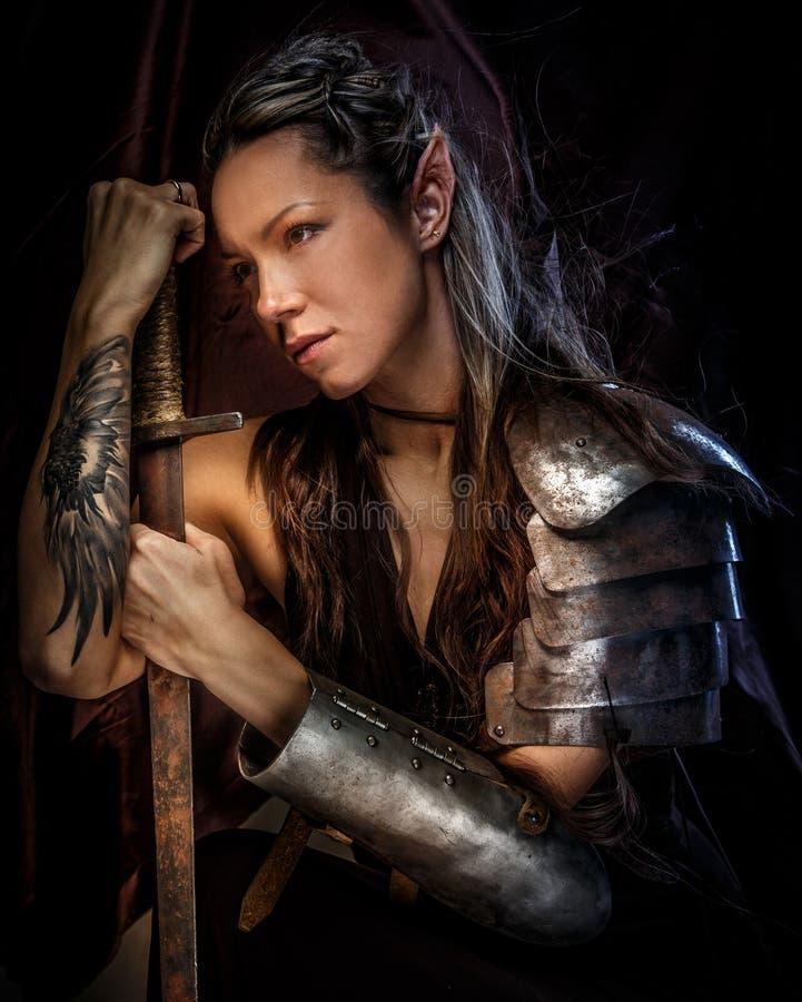 Portrait de femme mystique d'elfe photographie stock libre de droits